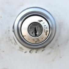 鍵穴から交換したい